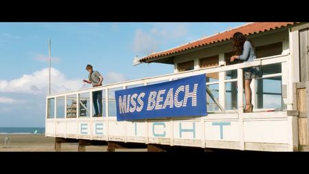 AUS_Filmstill_Miss_Beach_1