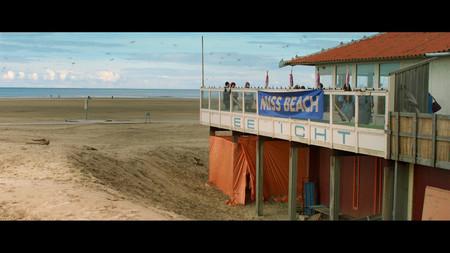 AUS_Filmstill_Miss_Beach_2
